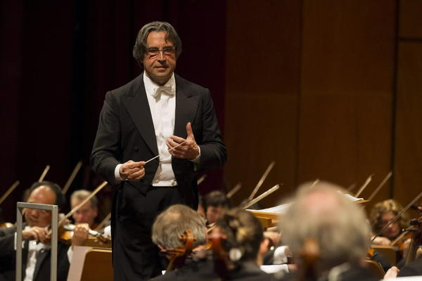 Maestro Riccardo Muti conducts the Chicago Symphony Orchestra during a recent tour of Europe.