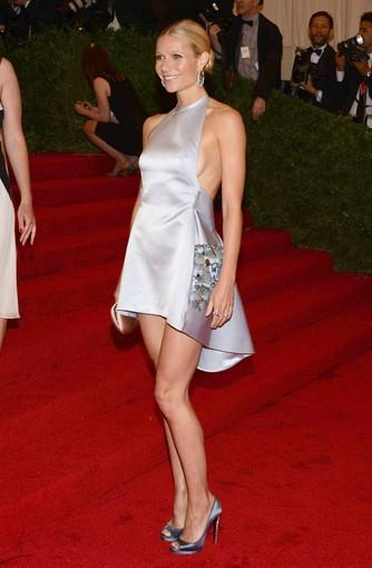 Gwyneth Paltrow in a Prada dress and jewelry by Anna Hu Haute Joallerie.