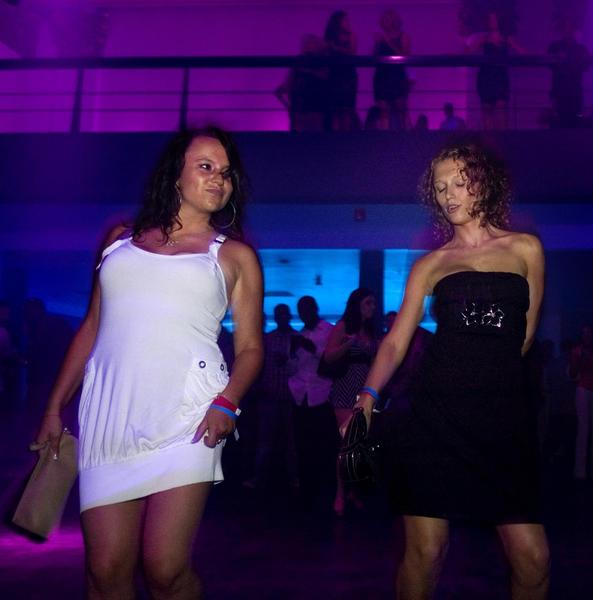 Natalya Kashtelyan (Left) and Erin Matsiyeustkayt at Palma in 2008. Palma closed less than a year later.