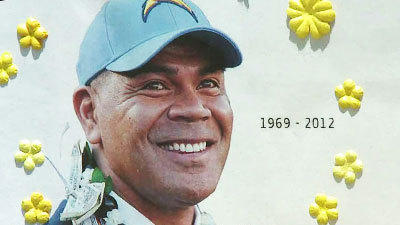 Seau's '55' jersey retired during public memorial