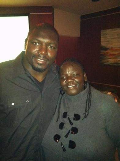 Vonta Leach loves mom