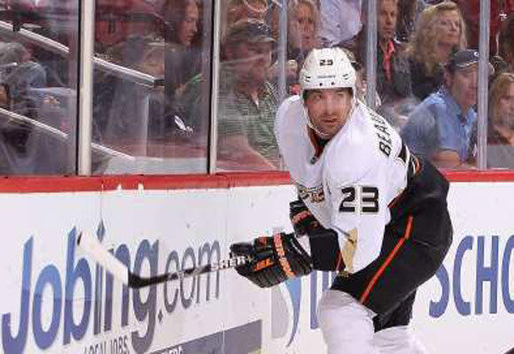 Ducks defenseman Francois Beauchemin predicts a Rangers-Coyotes Stanley Cup finals.