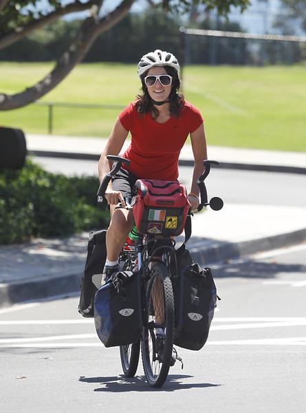 Kate Crinion y su bici