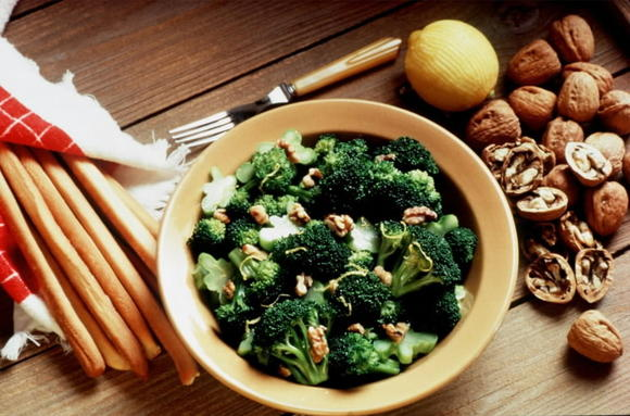 A healthy  broccoli salad for summer cookouts and picnics