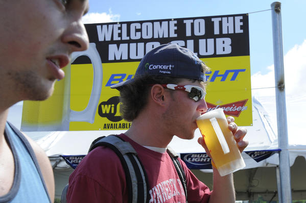 Pimlico's Mug Club allows infielders to purchase a bottomless beer mug for $20 (on top of the $60 infield admission). Mug Club mugs can be purchased at two stations, and refilled in two other areas. The Mug Club opens at 8 a.m., with last call at 6:30 p.m.