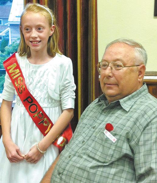 Miss Poppy, Sophie Burnett, and Sharpsburg Mayor Hal Spielman