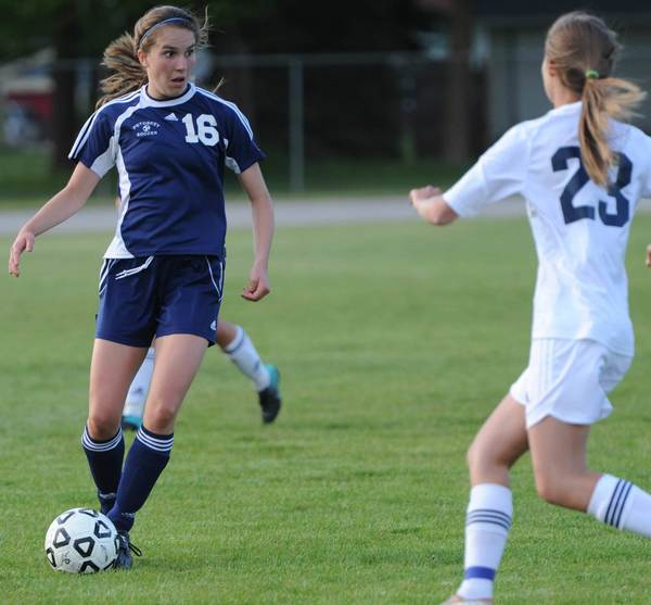 Maire Carmody (16) of Petoskey looks for an open teammate Thursday during a 1-0 Big North win at Gaylord.