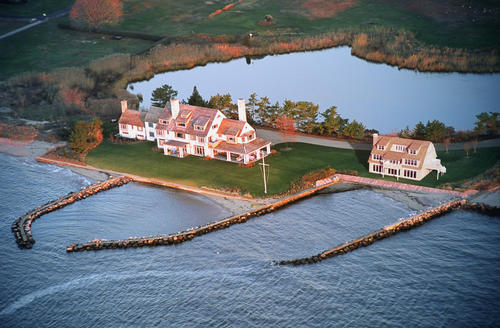 The owners of the Katharine Hepburn estate in the Fenwick borough of Old Saybrook will break ground this fall on a gatehouse on the property. In this rendering, the small house to the right is the planned new construction, while the large home to the left is the existing house.<br><br> For more photos of the Hepburn estate, click through this gallery.