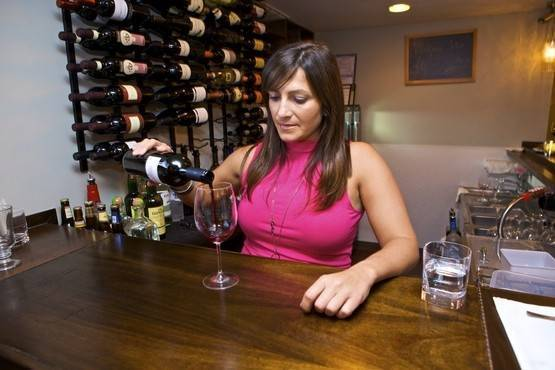 Lincoln Park wine bar Vintage 338 focuses on European wines.