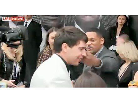 Will Smith slaps journalist who tried to kiss him