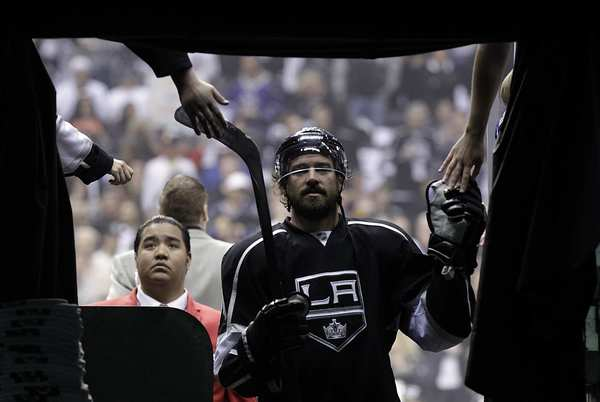 Kings winger Justin Williams leaves the ice to appreciative fans after warmups for Game 4 of the Western Conference finals against the Phoenix Coyotes on Sunday afternoon at Staples Center.