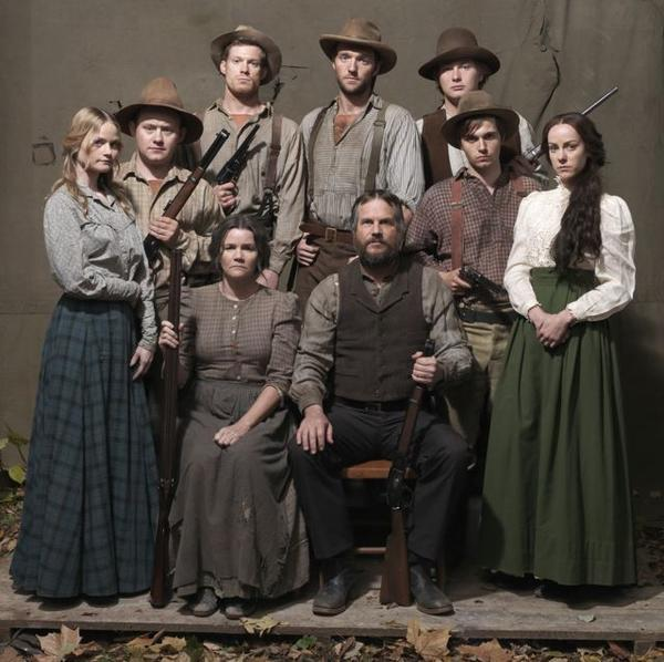 Back row, from left: Roseanna McCoy (Lindsay Pulsipher), Phamer McCoy (Michael Jibson), Tolbert McCoy (Sam Reid), Jim McCoy (Tom McKay), Bud McCoy (Tyler Jackson), Calvin McCoy (Max Deacon), Nancy McCoy (Jena Malone). Front row, from left: Sally McCoy (Mare Winningham) and Randall McCoy (Bill Paxton)