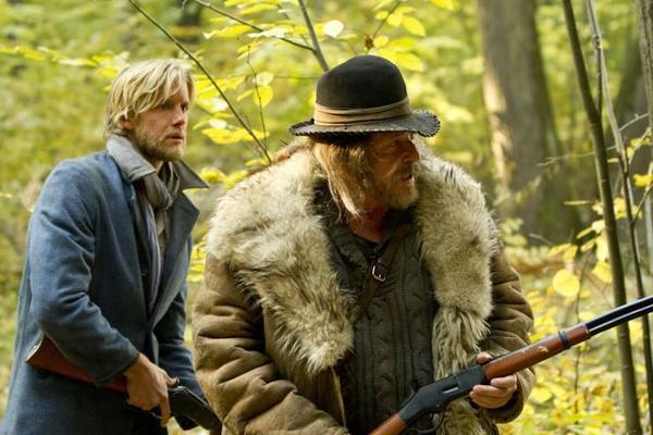 Johnse Hatfield (Matt Barr) and Jim Vance (Tom Berenger)