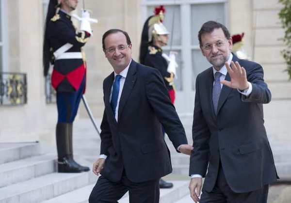 French President Francois Hollande, left, with Spanish Prime Minister Mariano Rajoy before a meeting at the Elysee Palace in Paris.