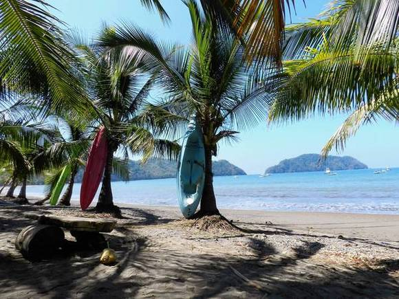 Waiting for the speedboat to Montezuma at Playa Herradura, costa Rica