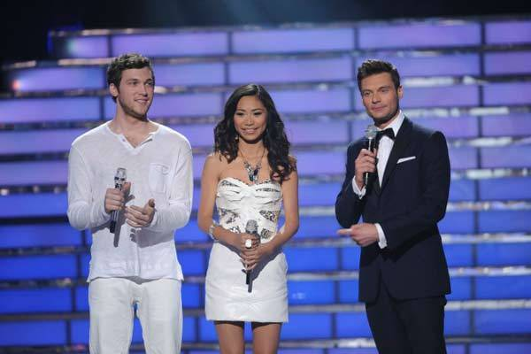 Host Ryan Seacrest introduces the finalists Phillip Phillps and Jessica Sanchez.