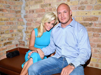 Jenny McCarthy Dating Chicago Bears Star Brian Urlacher