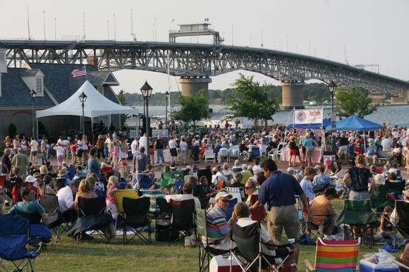 Free beach music concerts in Yorktown are popular.