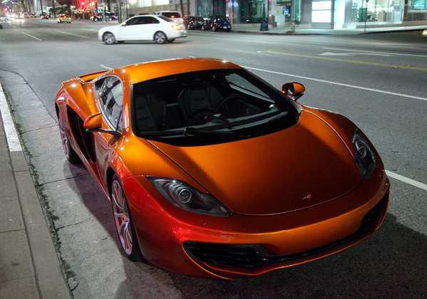 Comedian Jay Leno's personal McLaren MP4-12C makes an appearance in Beverly Hills.