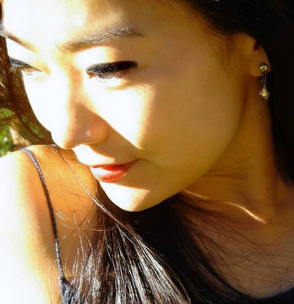 Suji Kwock Kim, a Korean American poet and playwright who is a Yale University graduate and has won numerous honors for her work, will read June 1 at 7:30 p.m. at Sunken Garden.