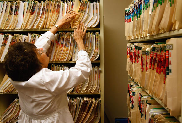 Are printed medical records better than electronic medical records?