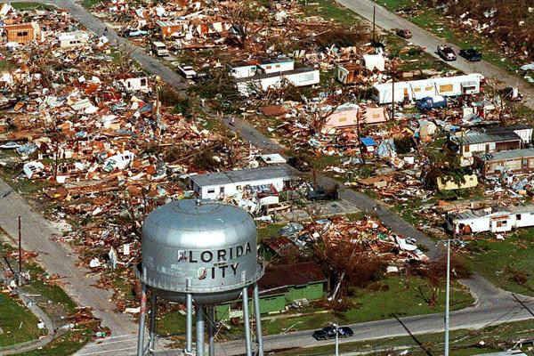 Vista area del desastre ocasionado por Andrew en Florida City