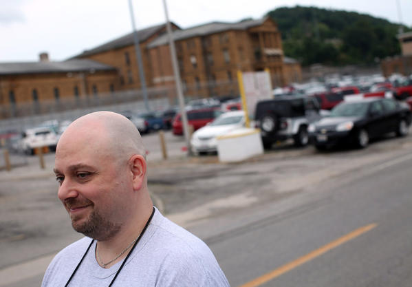 James Kluppelberg is released from Menard Correctional Facility in Chester on Thursday, May 31, 2012, after 20-plus years in prison for charges in a fatal fire.