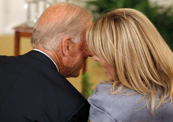Vice President Joe Biden talks with Bush's daughter Jenna Bush-Hager.
