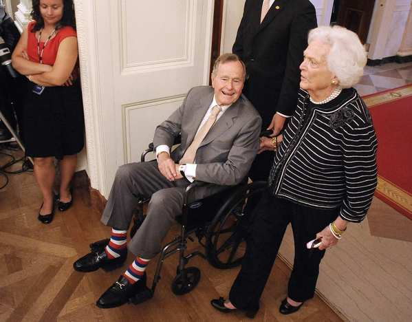 Former President George H.W. Bush and former First Lady Barbara Bush attend the official unveiling.