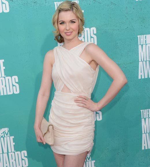 2012 MTV Movie Awards red carpet arrival pics: Kirsten Prout