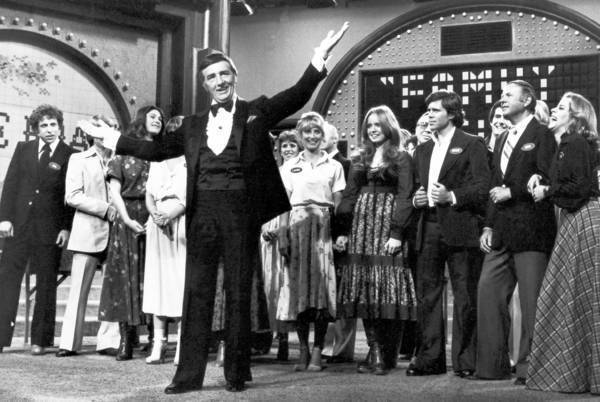 "Richard Dawson hosted the ABC daytime version and the first syndicated version of ""Family Feud"" from 1976 to 1985. He won a Daytime Emmy Award for his performance in 1978."