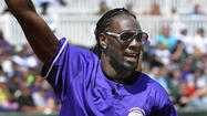 Ravens' Lardarius Webb impressed by turnout to charity softball game