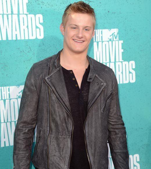 2012 MTV Movie Awards red carpet arrival pics: Alexander Ludwig