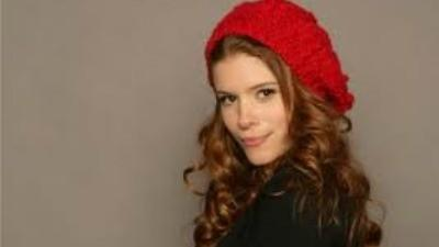 Kate Mara plays reporter Zoe Barnes in 'House of Cards'