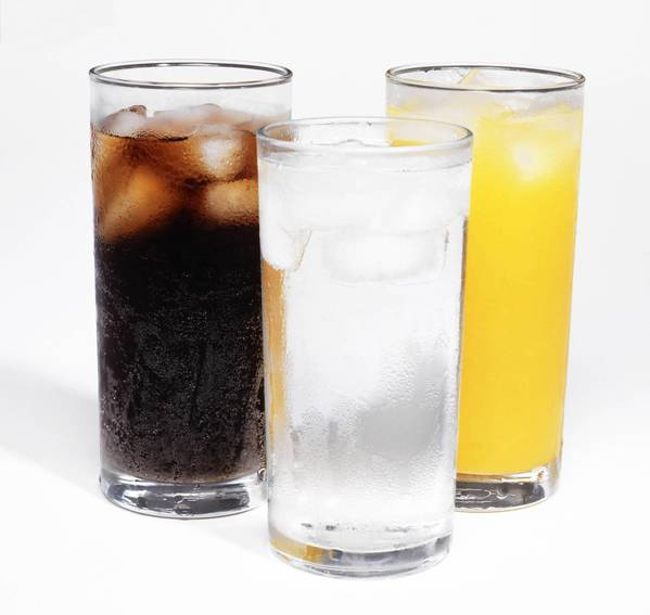 Simply drinking more water doesn't seem to cut risk of diabetes but replacing juice or soda with it does, a study has found.