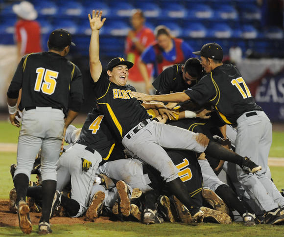 American Heritage baseball celebrates another state title