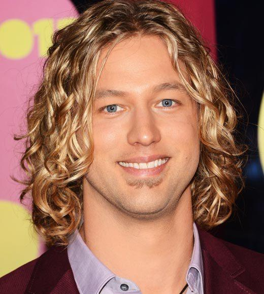 2012 CMT Music Awards red carpet arrival pics: Casey James
