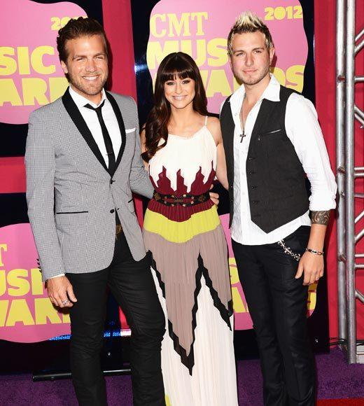 2012 CMT Music Awards red carpet arrival pics: Mike Gossin, Rachel Reinert and Tom Gossin