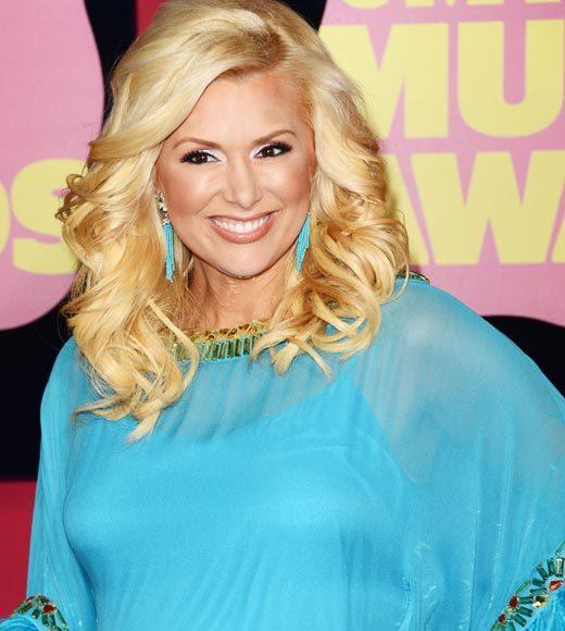 2012 CMT Music Awards red carpet arrival pics: Allison Alderson