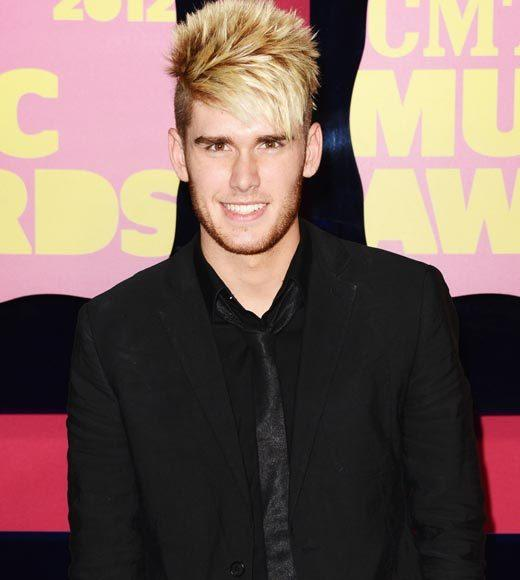 2012 CMT Music Awards red carpet arrival pics: Colton Dixon