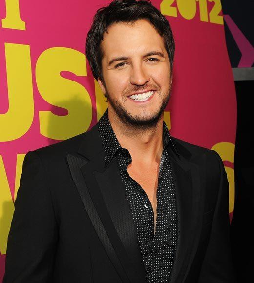 2012 CMT Music Awards red carpet arrival pics: Luke Bryan