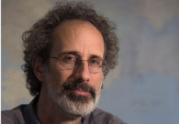 Water and climate change expert Peter Gleick was reinstated as the president of the Pacific Institute after an investigation. He admitted unethically obtaining financial documents from the Heartland Institute.