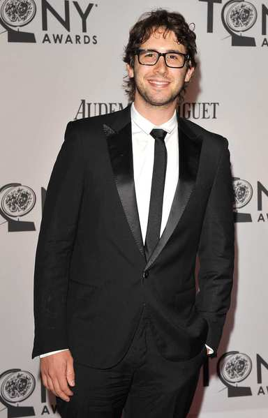 Tony Awards 2012 | Red carpet: Singer Josh Grobin.