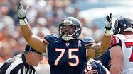 A broken right hand won't keep Matt Toeaina from participating in the Bears' three-day veteran minicamp starting Tuesday.
