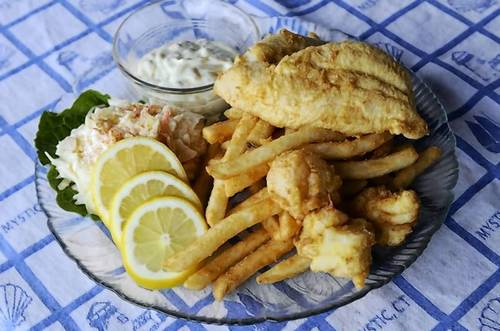 Kitchen Little's $15.95 combo lunch:  fresh flounder and sea scallops deep-fried and served with french fries, cole slaw, tartar sauce and lemon wedges.