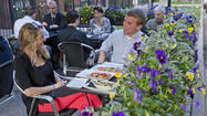 Outdoor dining and drinking in Boystown