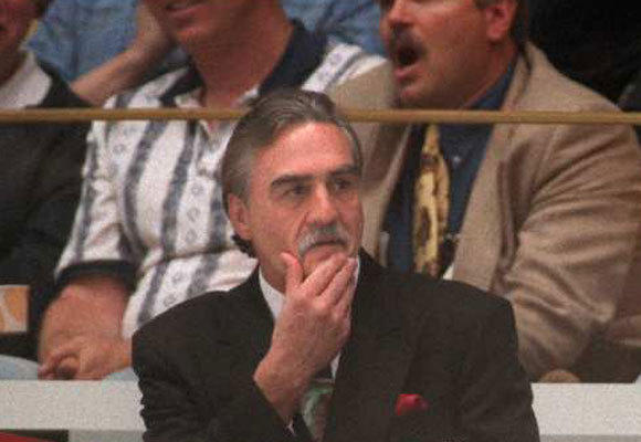 Rogie Vachon as interim head coach of the team in 1995.