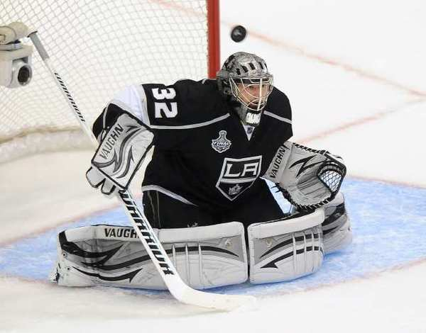 Kings goalie Jonathan Quick won the Conn Smythe Trophy, given to the MVP of the NHL playoffs.