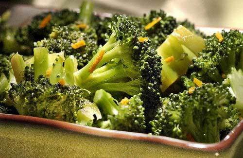 1 cup of broccoli (30 calories)