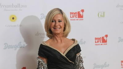 Olivia Newton-John set for Epcot's Candlelight Processional